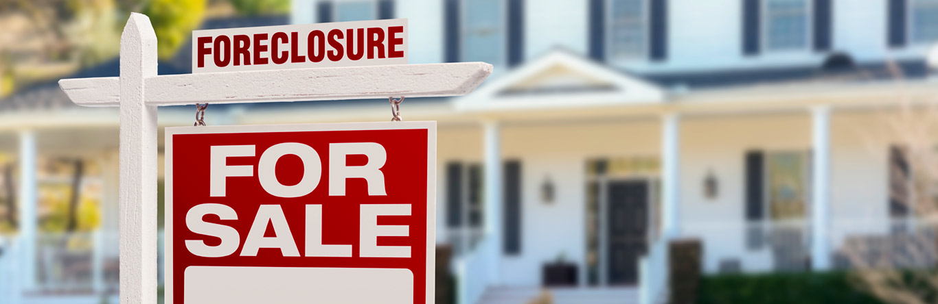 foreclosure sign outside home